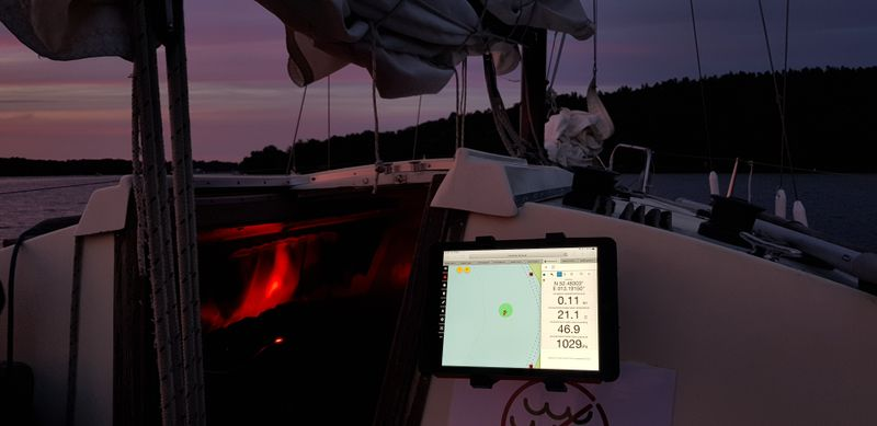 Anchor watch with Freeboard and a tablet
