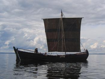 Shnjaka sailing on the Lake Onega