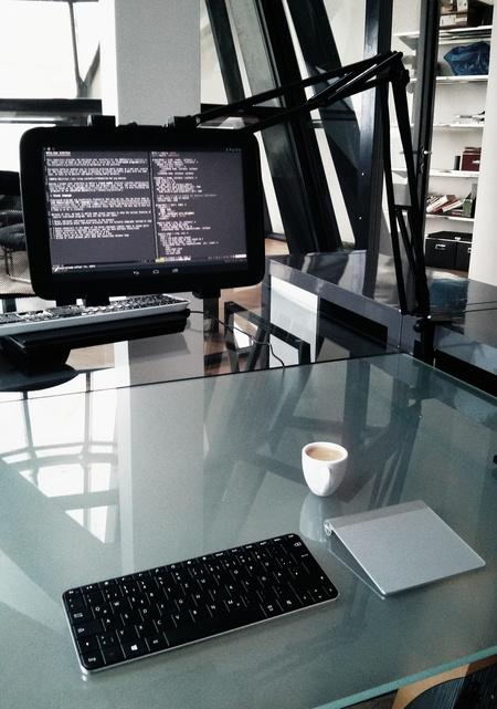 Nexus 10 as a desktop