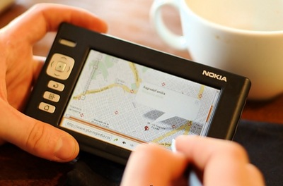 Map browsing on Nokia 770, photo by Tuomas Kuosmanen